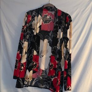 Chico's size 2  Easywear  Black/red floral print